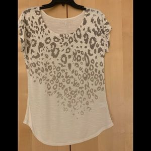 Beautiful cream color short sleeve blouse size M